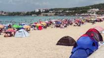 YERLİ TURİST - Çeşme'ye Turist Akını