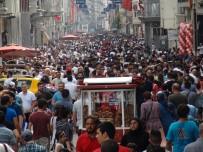 TAKSIM MEYDANı - İstiklal Caddesi'ne Bayram Akını