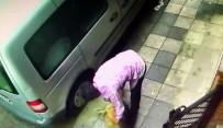 EĞİTİM DERNEĞİ - Kadıköy'de Köpeğe Şiddet Kamerada