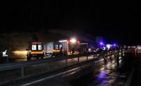 FAHRI MERAL - Karaman'da Otobüs Devrildi Açıklaması 3 Ölü, 40 Yaralı