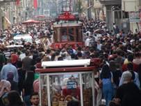TAKSIM MEYDANı - (Özel) İstiklal Caddesi'ne Bayram Akını