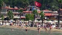 SU SPORLARI - Bayram Tatili Bitti, Sahiller Yabancı Turistlere Kaldı
