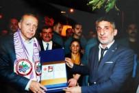 KANDILLI - Cumhurbaşkanı Erdoğan İçin Hazırladığı Nüfus Cüzdanını Kendisine Takdim Etti