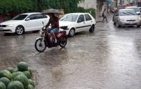 Edremit'e Yağmur Yolları Göle Çevirdi