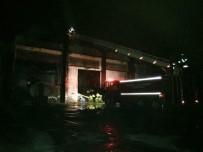 Fabrikanın Rendeliğinde Çıkan Yangın Korkuttu