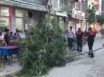 Iğdır'da Fırtına Esnafı Mağdur Etti