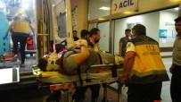KARAKÖPRÜ - Kafa Kafaya Çarpışan İki Otomobildeki 4 Kişi Yaralandı