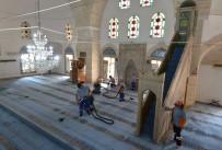 MEHMET ÇIÇEK - Muratpaşa'da Cami Ve Mescitlere Düzenli Bakım