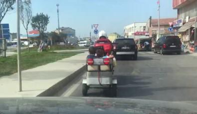 (Özel) Motosiklet Kasasında Çocukları Taşıdı, Kendi Kask Taktı