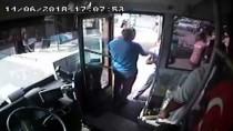 MAHMUTLAR - Şoför Halk Otobüsü Denetmenini Bıçakla Kovaladı