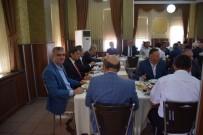 CUMHUR ÜNAL - AK Partili Adaylar Muhtarlarla Bir Araya Geldi