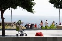 BEBEK MAMASI - Antalya Orduevi Karşısında Şüpheli Bebek Arabası Alarmı