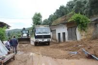 KÖY YOLLARI - Aydın'ı Sel Vurdu, Köşk-Ödemiş Yolu Kapandı