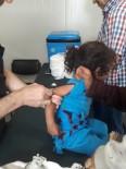 İL SAĞLıK MÜDÜRLÜĞÜ - Bayram Dönüşü Suriyeli Çocuklar Aşılanıyor