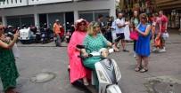 BÜLENT ERSOY - Diva Bodrum sokaklarını motorla turladı