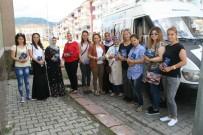 Devrek'te AK Kadınlar Kapı Kapı Dolaşarak Broşür Dağıttı