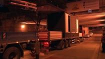 RAUF DENKTAŞ - Elektrik Panosu Yüklü Tır Alt Geçide Sıkıştı