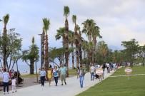YÜRÜYÜŞ YOLU - Konyaaltı Sahili Yaşam Merkezi Oldu