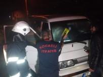 ALIKAHYA - Minibüste Çıkan Yangın Korkuttu