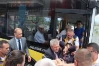 Sağlık Müdüründen Otobüste Fenalaşan Yaşlı Kadına Can Kurtaran Müdahale