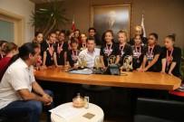 Şampiyon Dansçılar Başkan Kocadon'u Ziyaret Etti