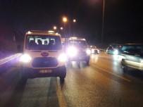 KAVACıK - TEM'de Trafiği Kilitleyen Kaza