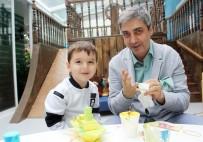 NECATİ ŞAŞMAZ - Ünlü Oyuncu Necati Şaşmaz, Babalar Günü'nü Oğluyla Geçirdi