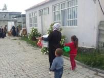 AĞRı MERKEZ - Ağrı İHH İhtiyaç Sahibi Ailelere Gıda Dağıttı