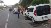 HASAN ALİ YÜCEL - Antalya'nın Manavgat İlçesinde Trafik Kazası Açıklaması 2 Yaralı