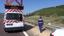 Bursa'da Otomobil Şarampole Devrildi Açıklaması 1 Ölü, 1 Yaralı