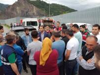 ERDOĞAN TURAN ERMİŞ - Çavuşlu Belediyesi, Katı Atık Bertaraf Tesisi'nin Önünü İş Makineleriyle Kapattı
