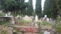 Gördes Mezarlıklarında Bayram Temizliği Başladı