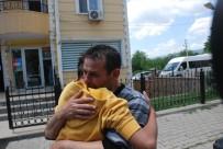 YENIYURT - İstanbul'da Kayıp Olan 3 Çocuktan Berkay'ı Teslim Alan Babası Duygusal Anlar Yaşadı