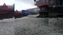 KARAKURT - Kars'ta Ceviz Büyüklüğünde Dolu Yağdı