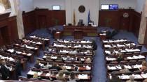 ARNAVUT - Makedonya'da Kabine Revizyonu