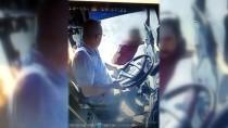 Minibüs Şoförünün Bıçaklanma Anı Güvenlik Kamerasında