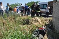 Motosiklet Kazasında İstinat Duvarına Uçan Genç İçin Seferberlik