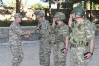 KUVVET KOMUTANLARI - Orgeneral Akar, Hakkari'de Birlikleri Denetledi