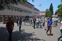 Trabzon'da LGS Sınavına 8 Bin 641 Öğrenci Katıldı