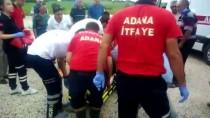Adana'da Otomobil İle Minibüs Çarpıştı Açıklaması 7 Yaralı