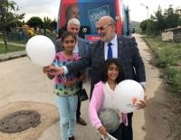 AK Parti'li Aday Yelis, Çocuklarla Bir Araya Gelerek Hediye Dağıttı