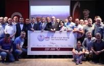 FARUK ÖZLÜ - Bakan Özlü'den Amatör Spor Kulüplerine Destek