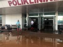 DEVLET HASTANESİ - Giresun'da Sağanak Yağış Sonrası Hastaneyi Su Bastı