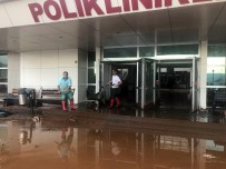 DEVLET HASTANESİ - Hastaneyi Su Bastı