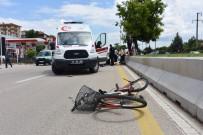 Kamyonetin Çarptığı Bisikletli Yaşlı Adam Hayatını Kaybetti