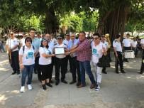 Kızılay Gönüllüleri Bando Konseri Eşliğinde Kan Bağışladı