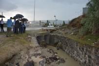 SÜLEYMAN ÖZDEMIR - Vali Güvençer'den Minik Rüzgar'ın Ailesine Taziye Ziyareti