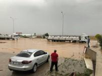 SEL BASKINLARI - Afyonkarahisar Küçük Sanayi Sitesi'ni Sel Bastı