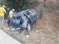 MUSTAFA AKıN - Balıkesir'de Otomobil Takla Attı Açıklaması 5 Yaralı