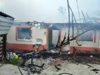 AHŞAP EV - Çatıda Başlayan Yangın Evi Küle Çevirdi